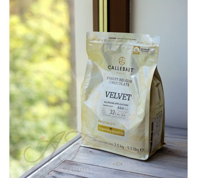 Шоколад белый 32% Velvet, в каллетах