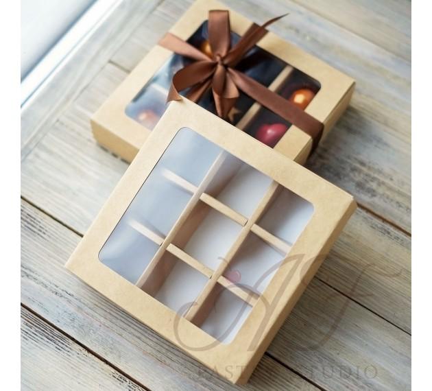 Коробка на 9 конфет с окном, 14,5х14,5х3,3 см