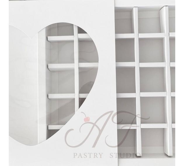 Коробка на 25 конфет с окном Сердце, белая, 22х22х3,2 см, 5 шт.