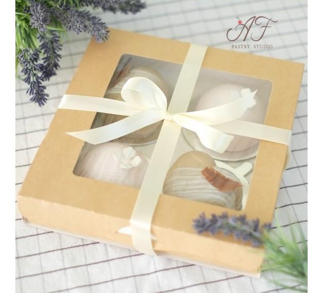 Коробка крафтовая с окном, 20х20х4 см